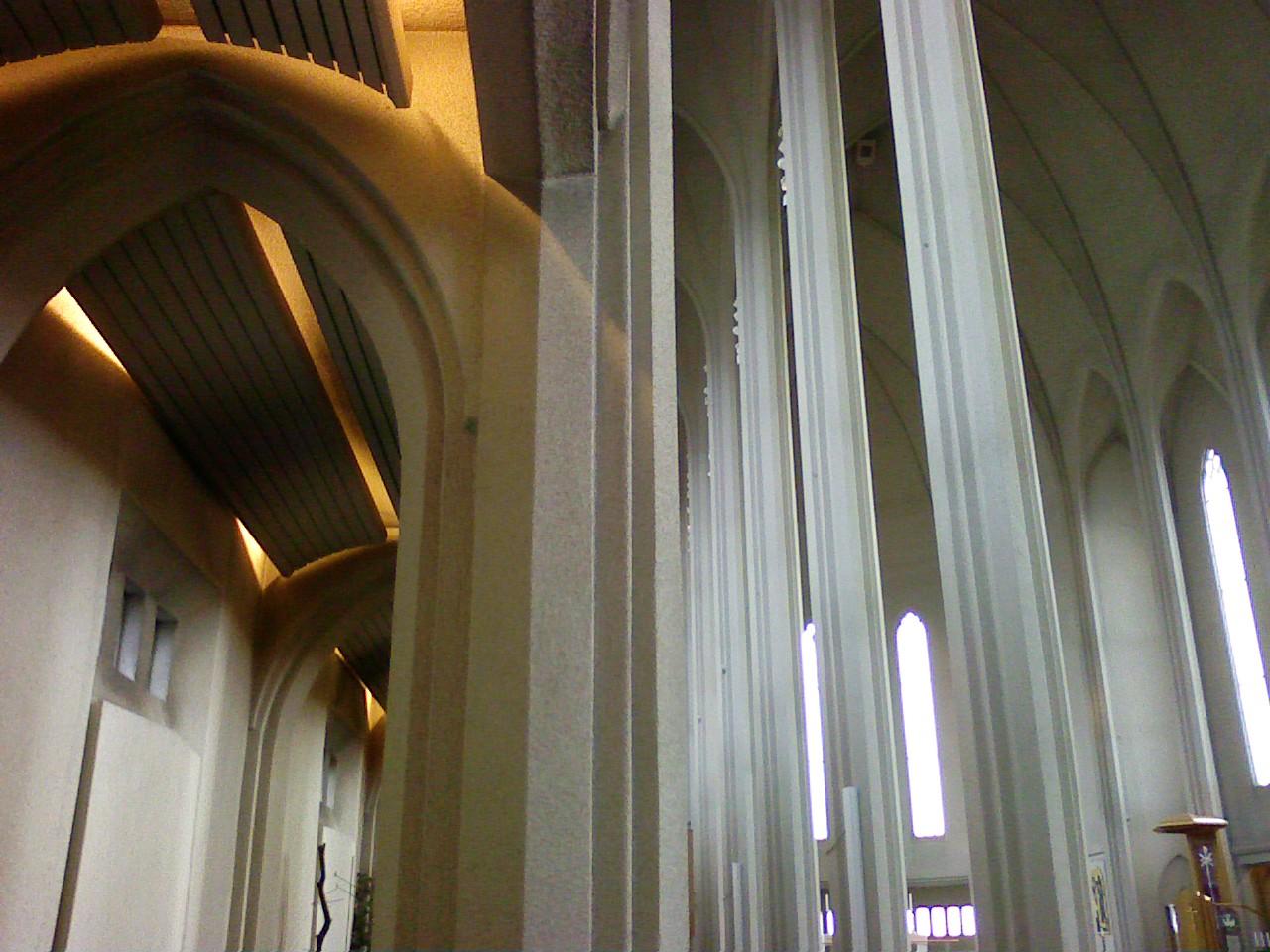 ufp-hallgrimskirkju-interior-1.jpg